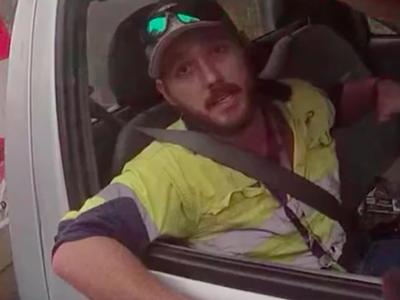 Mrożąca krew w żyłach przygoda australijskiego truckera. Walczył z jadowitym wężem w trakcie jazdy