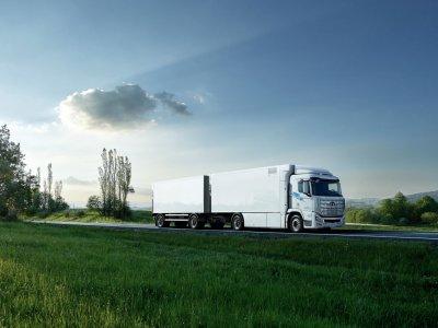 Bahnbrechender Brennstoffzellen-Lkw mit überraschender Reichweite. In diesem Land geht emissionsfreier Transport an den Start.