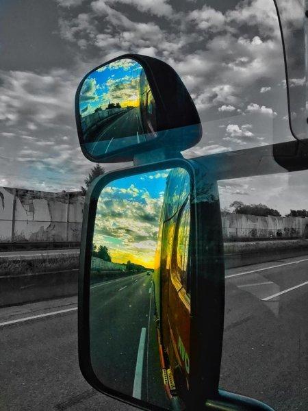 [Blog] Șoferi | Poate că într-o bună zi vom învăța și noi ce înseamnă civilizația și respectul în tr