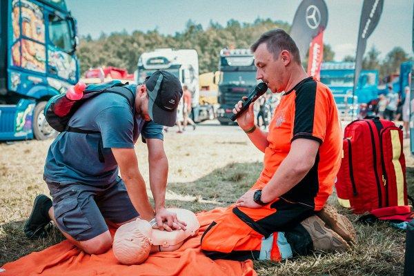 Bezpłatne szkolenia z pierwszej pomocy dla kierowców zawodowych. Sprawdź, gdzie i kiedy  można się z
