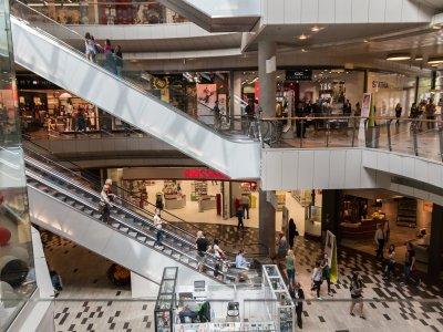Co pandemia i boom na e-commerce zrobią ze sklepami stacjonarnymi? Pomysłów jest kilka, niektóre radykalne