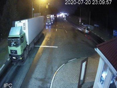 """Почти 1,2 тыс. грузовиков на границах с Литвой и Латвией. """"Очереди формируются из-за действий на белорусской стороне"""""""