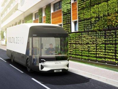 Тест первого в мире 16-тонного электрического грузовика с биоразлагаемым кузовом