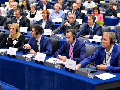 """Pachetul Mobilitate 1 va fi votat în plenul Parlamentului European mâine. 9 ţări europene declară că măsurile sunt """"discriminatorii"""""""