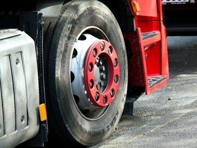 Британцы водят возрастное ограничение шин грузовых автомобилей