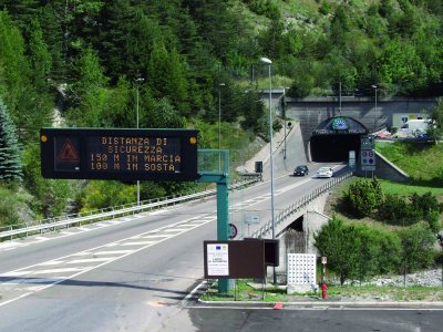 Vehiculele Euro 3 și Euro 4 nu mai pot circula prin tunelurile Frejus și MontBlanc