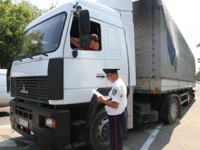 В Украине упростили габаритно-весовой контроль на дорогах. Кроме того, повысят штрафы за перегруженные фуры