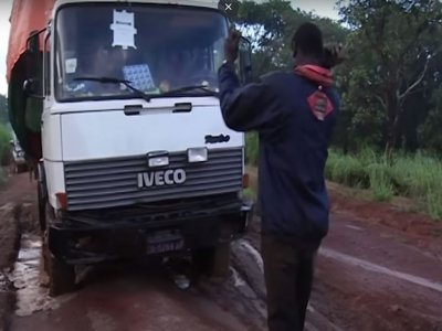Would you risk your life to carry out a transportation task? See what drivers must go through in Congo to earn their salaries