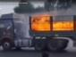 Brennender Lkw raste aus der Stadt heraus. Trucker als Held ausgezeichnet [Video]