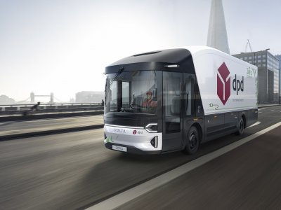 The world's first purpose-built full-electric 16-tonne vehicles will operate in LEZs, London