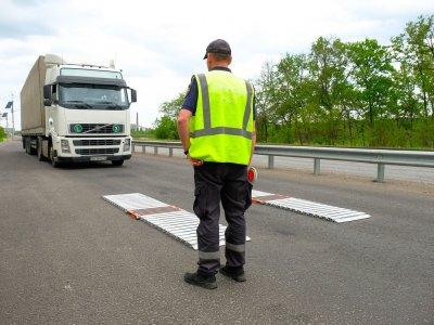 Водитель заплатил 250 тыс. рублей штрафа за перегруз. «Испортил дорогу, компенсируй ущерб»