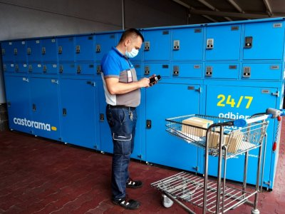 Sieć marketów budowlanych stawia na automaty do odbioru zakupów z e-commerce