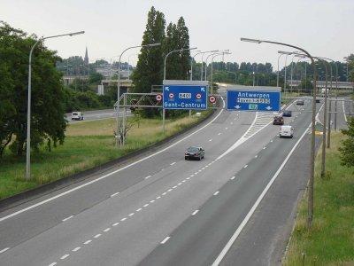 Новая обязанность на бельгийских дорогах. Скоро вступит в силу обязанность по созданию спасательного коридора