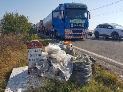 Gest frumos făcut de șoferi de camion români