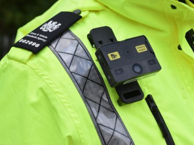 Roadside checking officers in the UK will wear bodycams