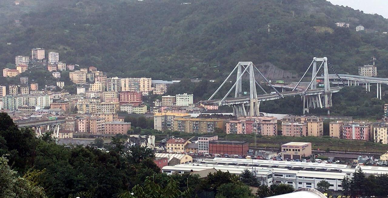 Zobacz w dwie minuty, jak odbudowano zawalony wiadukt w Genui