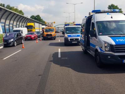 S8 w Warszawie zablokowana. Zderzyło się kilka pojazdów, w tym sześć ciężarówek