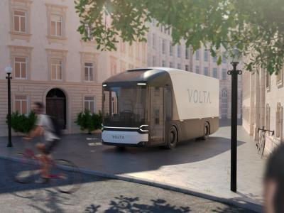 Lastwagen der Zukunft in London. Sie sehen wie Busse aus, aber der Fahrer sitzt in der Mitte der Kabine