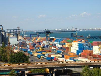 Новая жизнь украинских портов. Между молотом и наковальней?