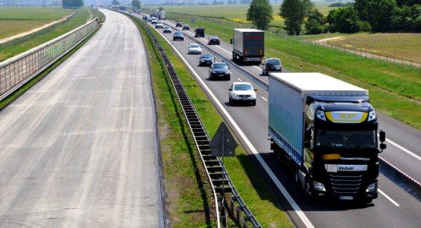 Sunkumai ilgiausiame Lenkijos greitkelyje – A4. Rugpjūčio 8 d. prasidėjo renovacija, kuri truks 4 mė