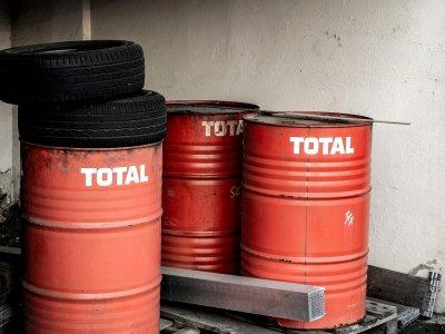 Kupiłeś dla swojej firmy 100 litrów oleju smarowego w Niemczech? Siedzisz okrakiem na bombie akcyzowej