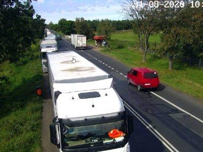Długie czekanie na wyjazd z Polski. Kilkaset ciężarówek w kolejkach na granicy z Ukrainą