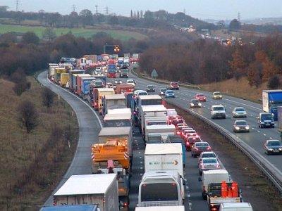 Durchgesickerter Regierungsbericht: in Kent könnte im Januar eine Schlange von 6.500 LKWs erwartet werden