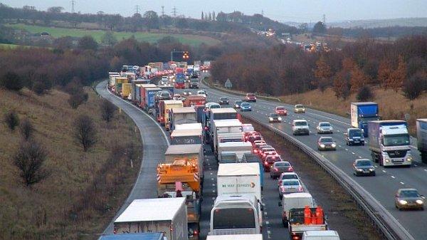 LKW-Fahrer sind von den neuen Regeln für die Einreise nach Großbritannien ausgenommen
