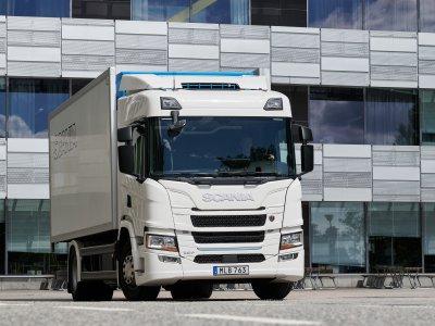 Elektryczna i hybrydowa – Scania prezentuje nowe ciężarówki. Jaki mają zasięg?