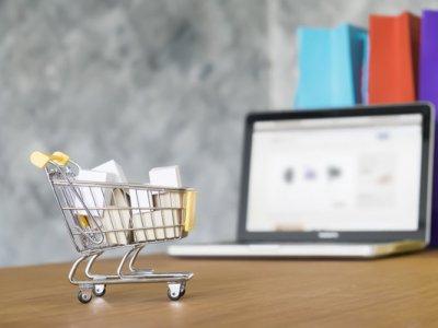 Торговля в интернете растет, в розничной сфере – падения. Логистические перспективы на фоне результата глобальных продаж