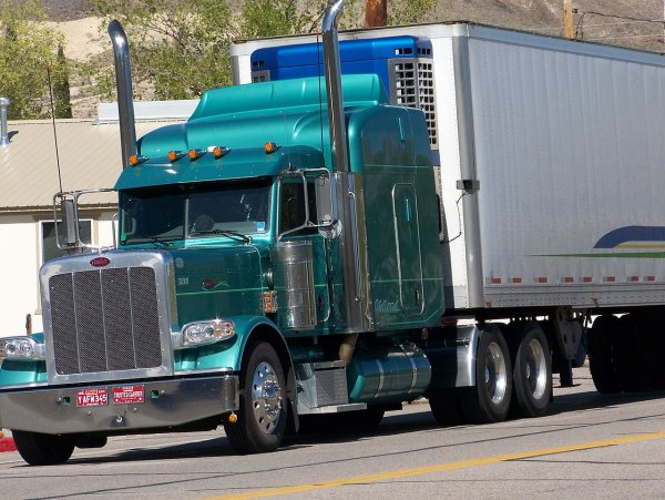 Truck drivers help to organise dying man's last wish