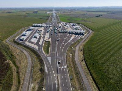 Nagykereki: átadták a Magyarország és Románia közötti második autópálya-határátkelőhelyet