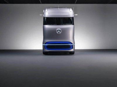 Daimler Trucks lansează noi modele de camioane pe hidrogen și baterii