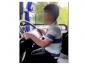 Poliția din Irlanda caută informații despre un minor filmat în timp ce conducea un camion pe un drum public