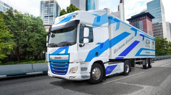 DAF's range of electric trucks enhanced by new generation of batteries