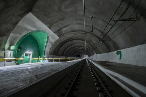 Project of the century ready for trial operation. First trains in the new railway tunnel through the