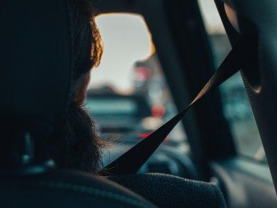 A járművezetők ötöde még mindig nem kapcsolja be a biztonsági övet