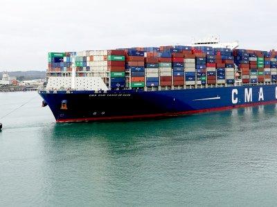 Stawki transportu przez Pacyfik nadal rosną. Interwencja władz chińskich nie pomogła