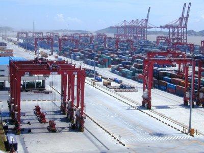 Blockade des Suezkanals – wirtschaftliche Auswirkungen und Folgen