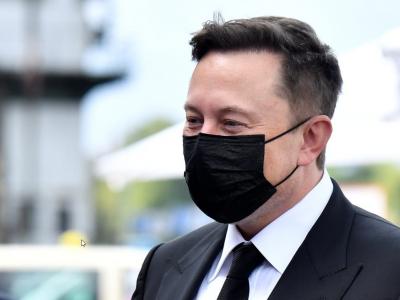 Germania | După ce a cerut scutirea de la interdicțiile de weekend, Elon Musk vine cu noi cereri privind camioanele Tesla
