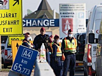 Nuo rugsėjo 1 dienos į Vengriją įleidžiami užsieniečiai. Išimtis taikoma tarp kitko sunkvežimių vairuotojams