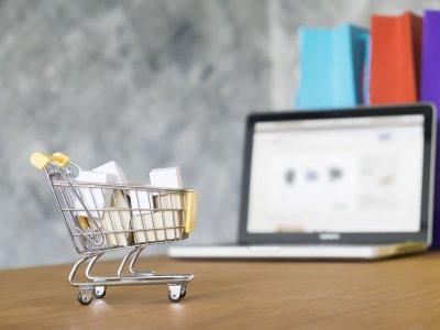 Elektroninė prekyba auga, mažmeninės prekybos pramonė – smunka. Logistikos perspektyvos pasaulinės e. prekybos fone
