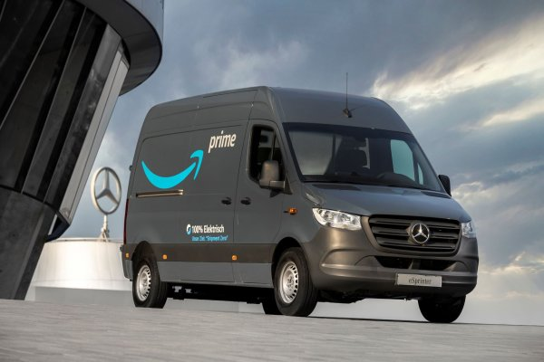 Mercedes removes carbon from its entire value chain. And it provides Amazon's European delivery flee