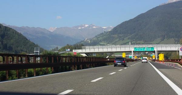 Dziś rusza remont na autostradzie Brenner, a jutro odprawy blokowe. Szykujcie się na korki w Tyrolu