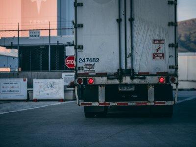 Почему в России так много старых грузовиков и что заставляет перевозчиков ими пользоваться?