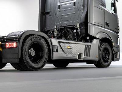 Две новые модели Actros! Одна из лимитной серии только 400 транспортных средств