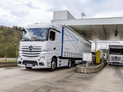 Daimler-Logistik: Automatischer Kommunikationsprozess bei Werksbelieferung: Daimler-IT und Inbound-Logistik im Werk Wörth steuern Innovationsprojekt in Zusammenarbeit mit Inform und Fleetboard Logistics
