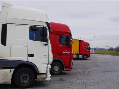 Российских рынок грузовых автомобилей. Упали продажи новых и подержанных грузовиков, вырос спрос на строительную технику