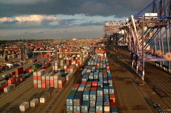 Congestionare extremă la cel mai mare port de containere din Marea Britanie