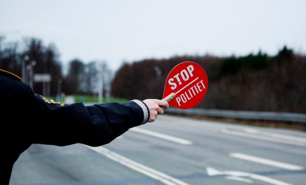 Zdradził go jeden komplet pościeli – Łotysz przyłapany na używaniu karty innego kierowcy. Duński sąd
